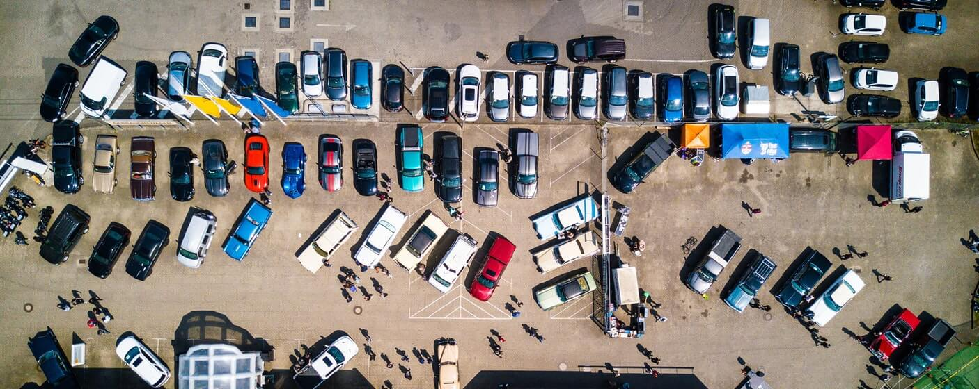 birds eye view of car dealership